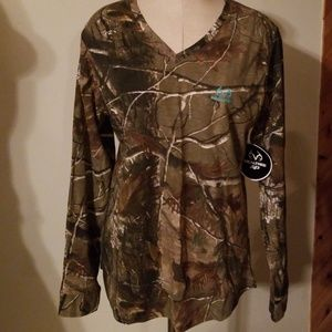 Realtree Camouflage Long Sleeve V-neck Tee